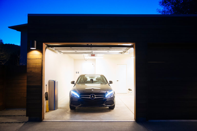 Mercedes-Benz-and-vivint